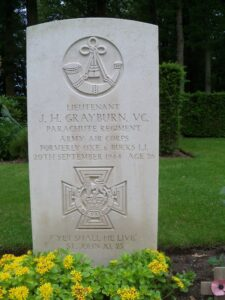 Lt. GRAYBURN VC HEADSTONE