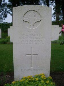 Major Wallis' headstone