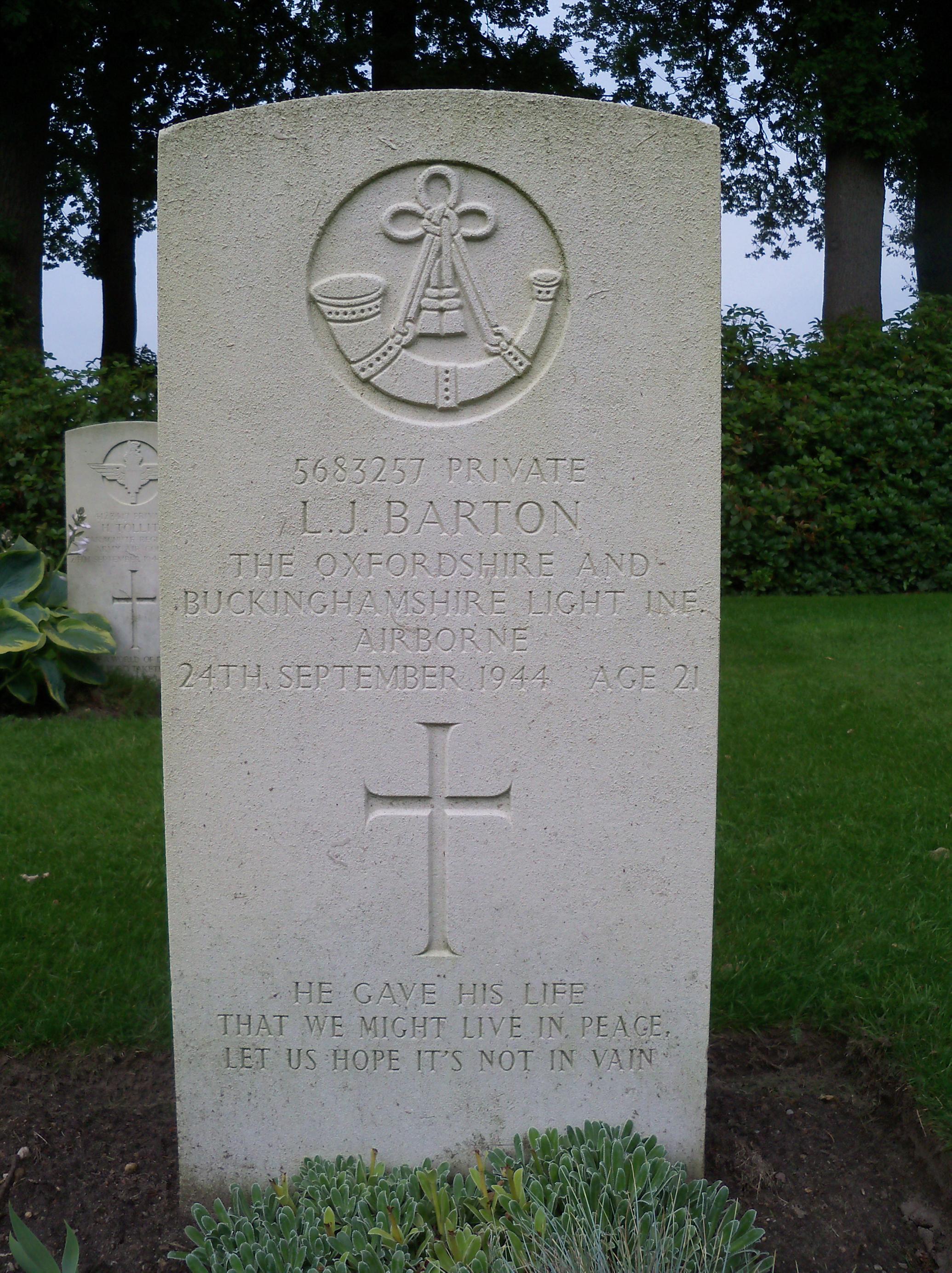 Grave of Pte L J Barton (24 Sept 1944)