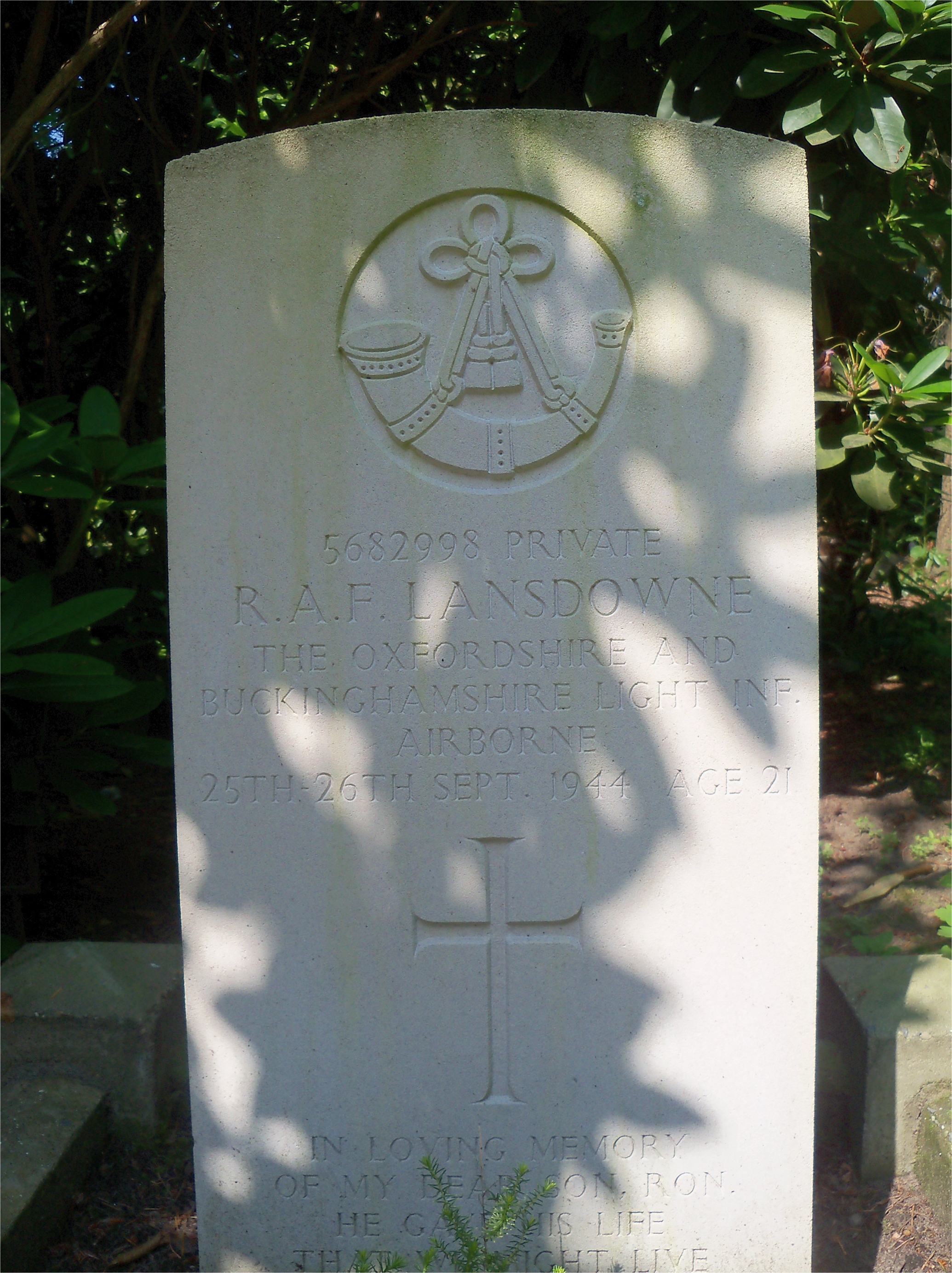 Grave of Pte R A F Lansdowne 25th-26th September